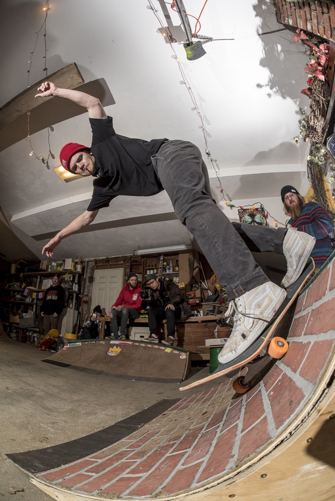 Jordan Budwey back smith at Bastards Lounge - Photos Joe Makarski