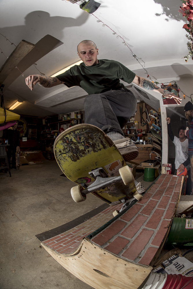 Tony Lydon pivot fakie at Bastards Lounge - Photos Joe Makarski